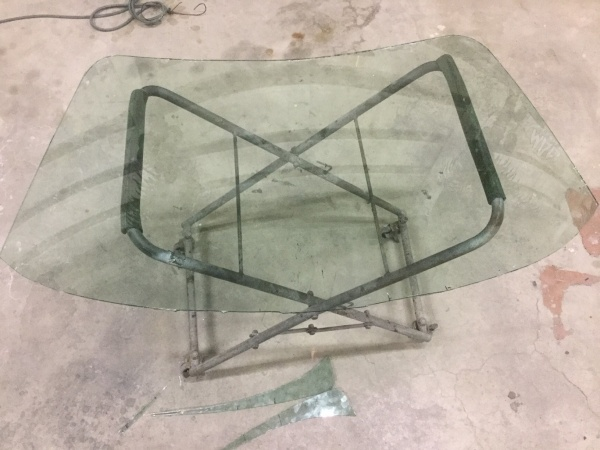 ヨコヤマガラス看板24